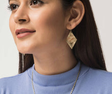 Load image into Gallery viewer, Heera earrings