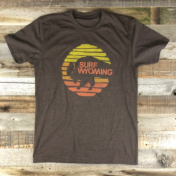 Men's SURF WYOMING®  Bison Flash Tee- Brown