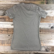 Load image into Gallery viewer, Women's YELLOWSTONE x SW COLLECTION Yellowstone Tee - Stone Grey