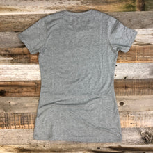 Load image into Gallery viewer, Women's SURF WYOMING® National 2.0 Tee- Heather Grey