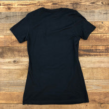 Load image into Gallery viewer, Women's Surf Wyoming® First Park Bison Tee - Black