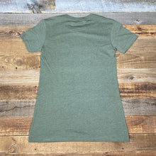 Load image into Gallery viewer, Women's Bear Peak Tee - Military Green