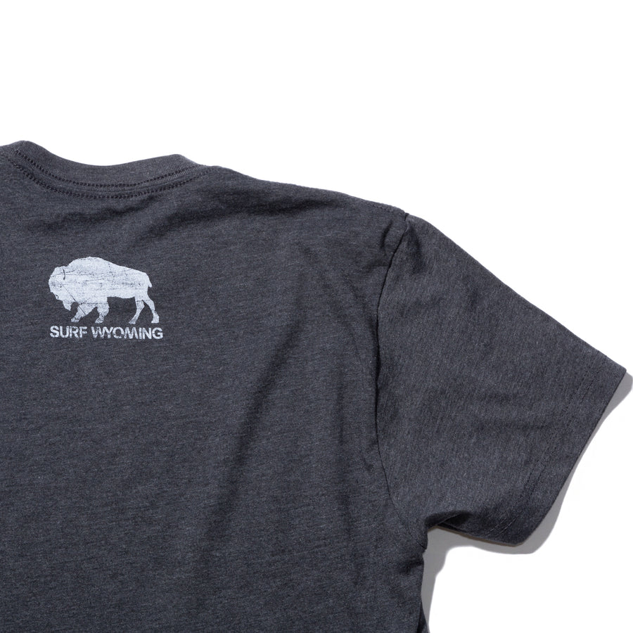Men's SURF WYOMING® Wyoming As Folk Tee - Charcoal