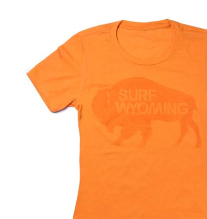 Women's Surf Wyoming® Bison Logo tee - Sunset