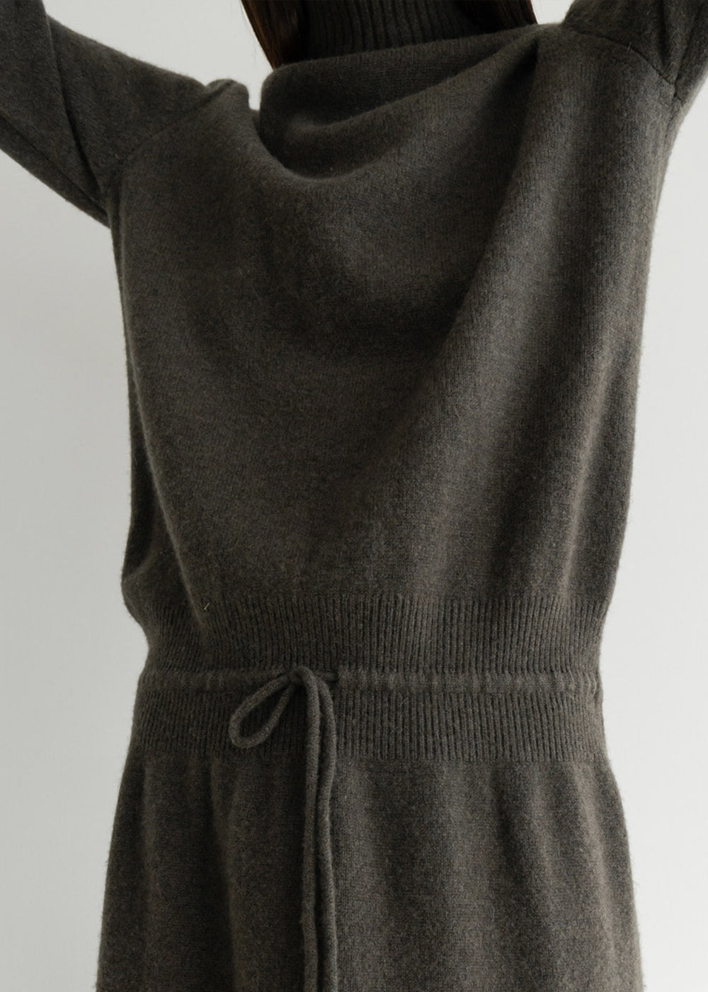 AIRWOOL STRING TURTLENECK DRESS