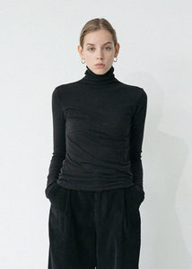 LE WOOL CUTTING TURTLENECK TOP BLACK