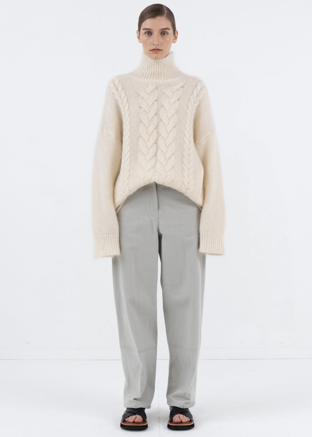 MOHAIR TWIST TURTLENECK SWEATER IVORY