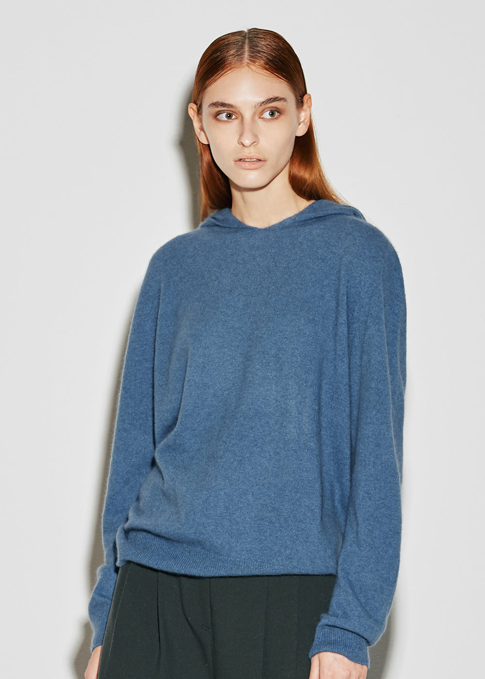 HOODED WOOL KNIT BLUE