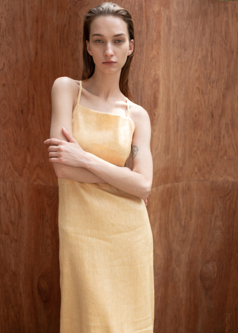 STRAP BACKCROSS DRESS YELLOW