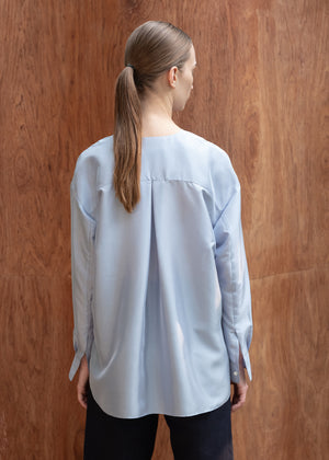 COLLARLESS SATIN SHIRT BLUE