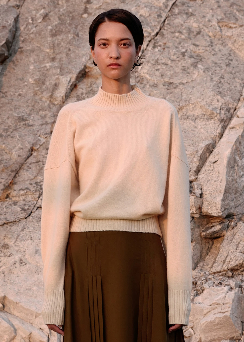 AIRWOOL TURTLENECK KNIT