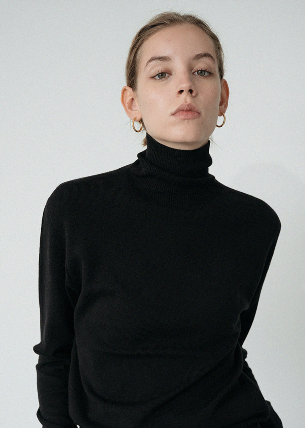 LE MODERN WOOL TURTLENECK KNIT BLACK