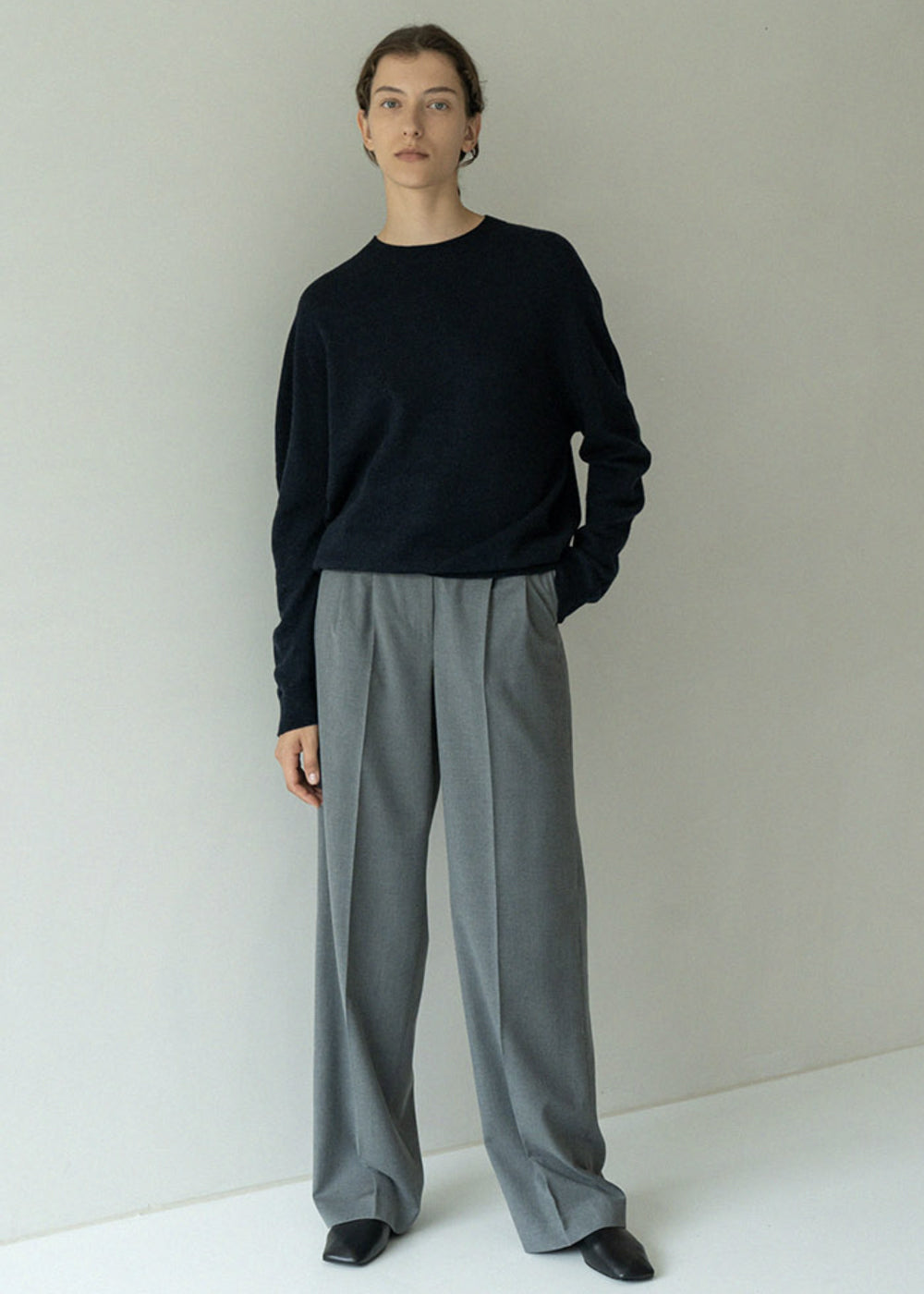 WOOL PINTUCK BOY FIT PANTS GREY