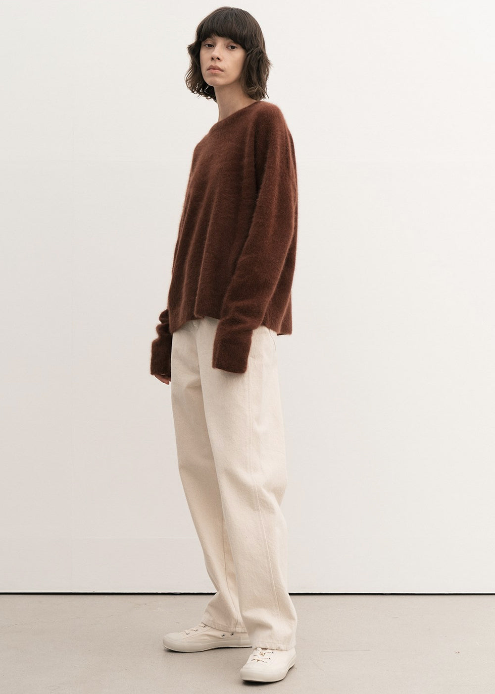 RACCOON WHOLEGARMENT ROUND SWEATER BRICK