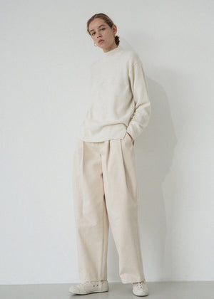 LE RACCOON TURTLENECK KNIT IVORY
