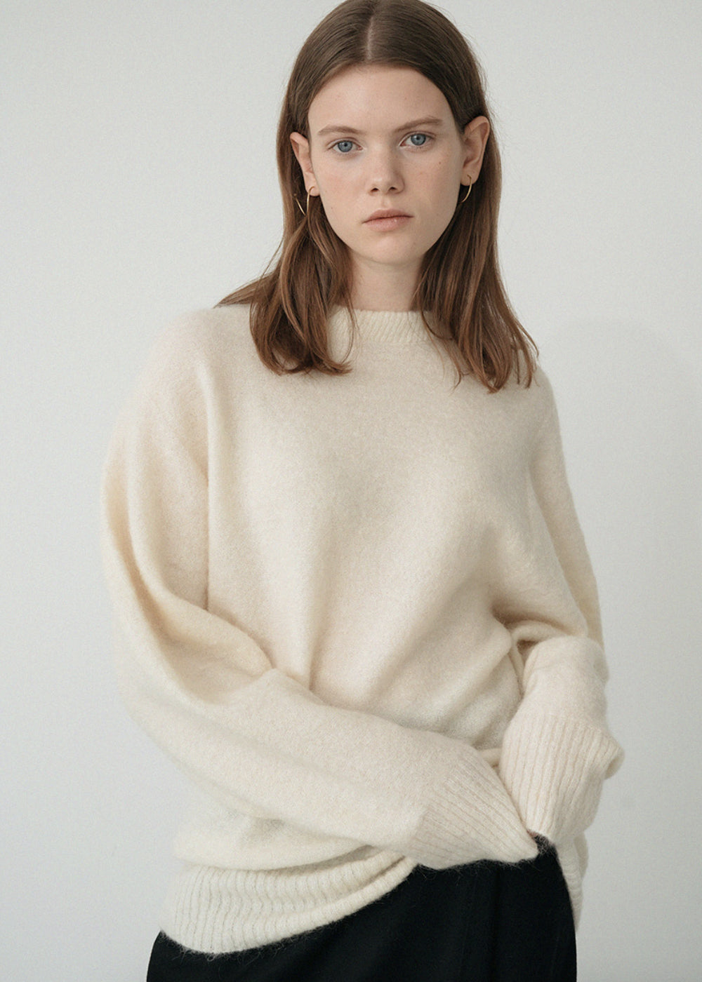 LE MOHAIR ROUND KNIT IVORY