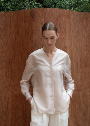 COLLARLESS SATIN SHIRT BEIGE