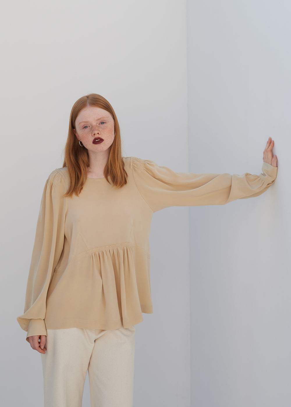 SHIRRING STRING BLOUSE CREAM