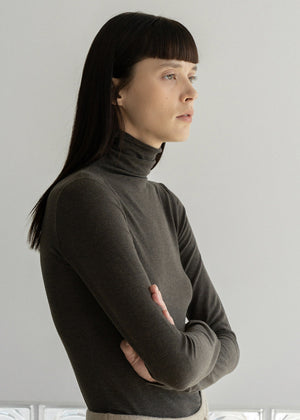 NATURAL WOOL TURTLENECK TOP BROWN