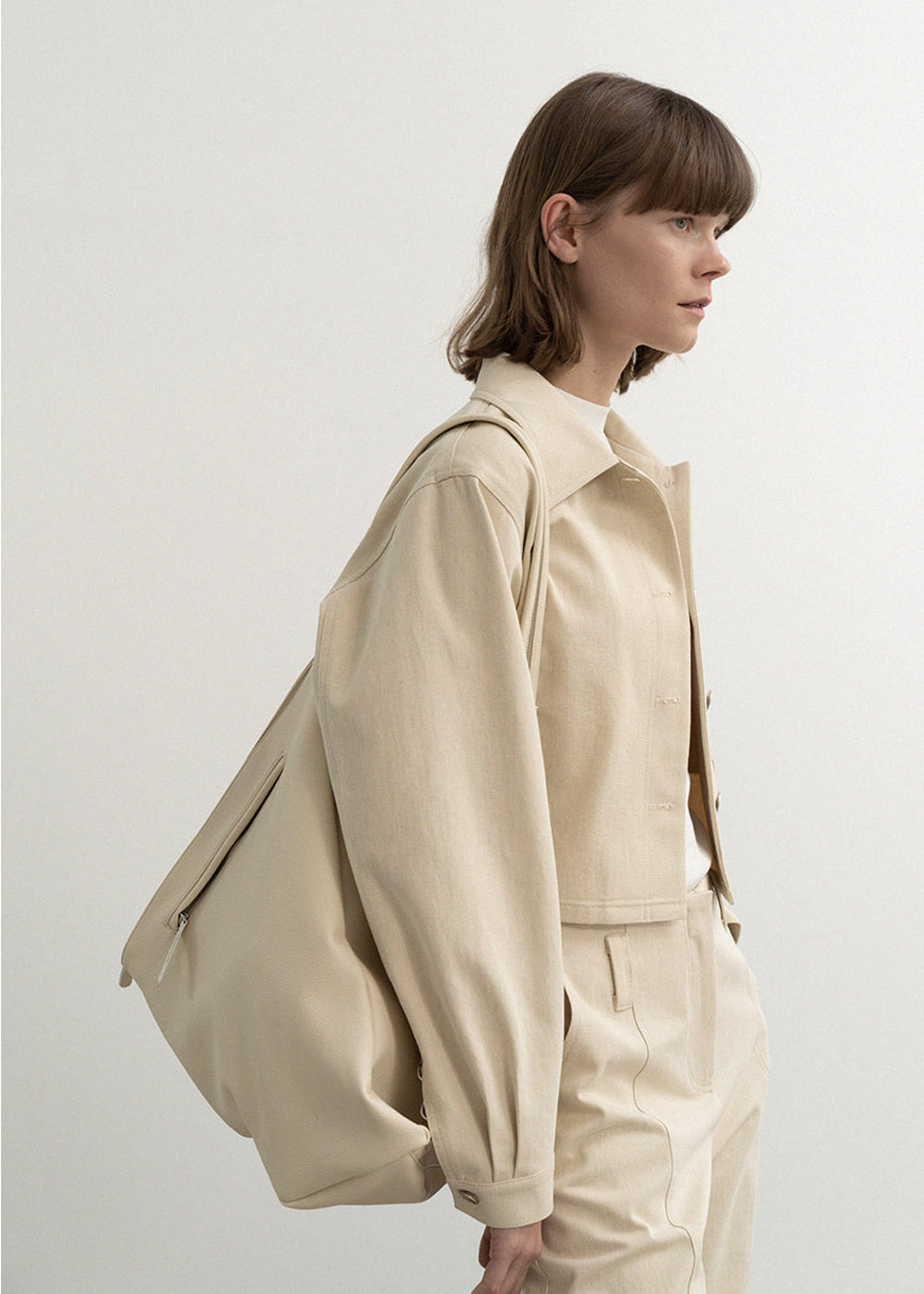 TWO-WAY SLING BAG CREAM