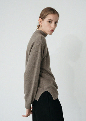 LE RACCOON TURTLENECK KNIT MOCA