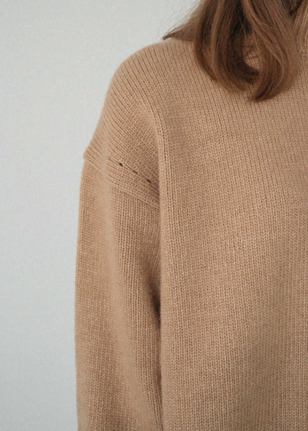 LE CASHMERE TURTLENECK KNIT CAMEL