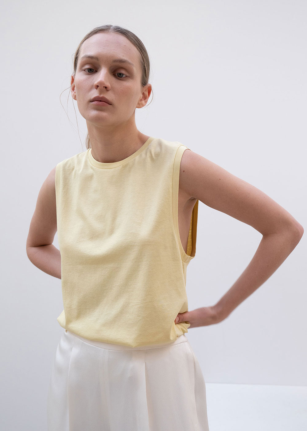 Basic Sleeveless T-shirt Yellow