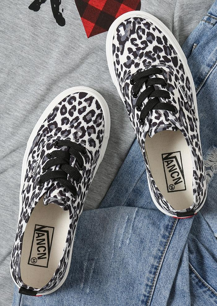 Leopard Printed Lace Up Sneakers