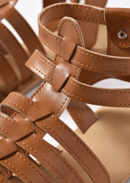 Summer Solid Buckle Strap Flat Sandals - Brown
