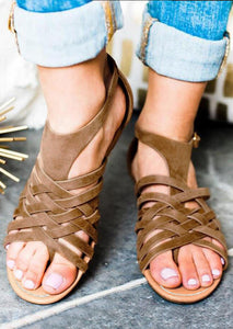 Solid Criss- Cross Buckle Strap Sandals - Brown
