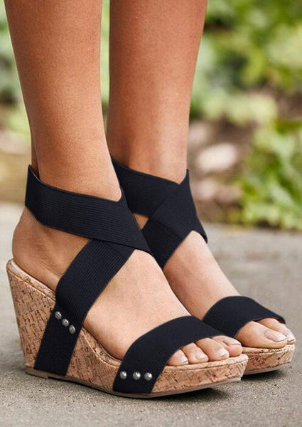 Solid Round Toe Wedge Sandals - Black