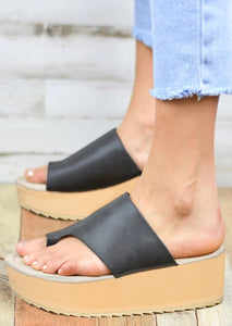 Solid Round Toe Platform Slippers - Gray
