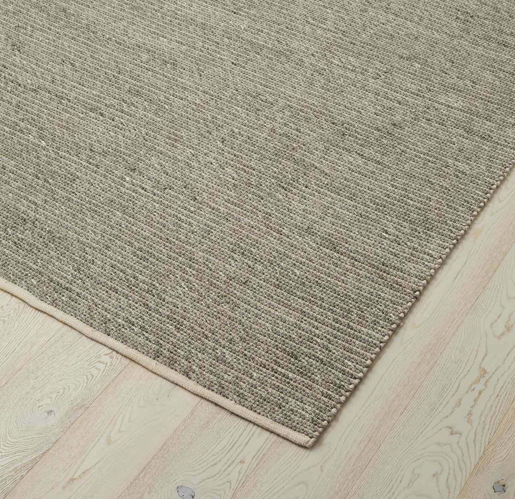 Andes Feather Rug 300x400cm