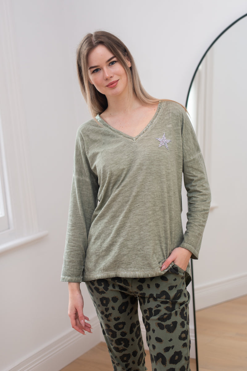 Sparkle Star V-Neck Long Sleeve T-Shirt In Khaki