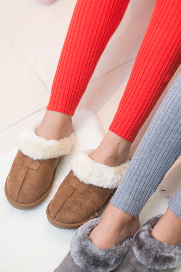 Faux Shearling Slippers In Chestnut