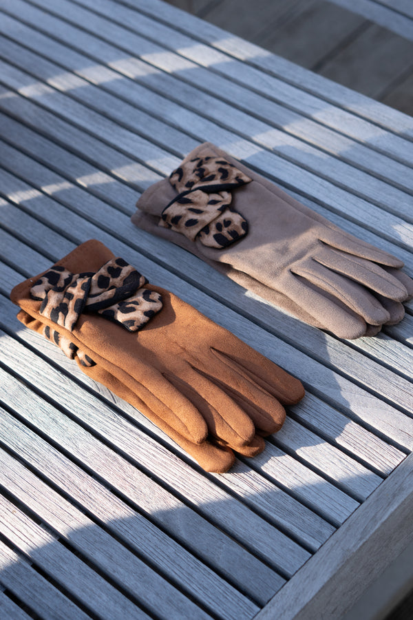 Faux Suede Leopard Gloves In Tan