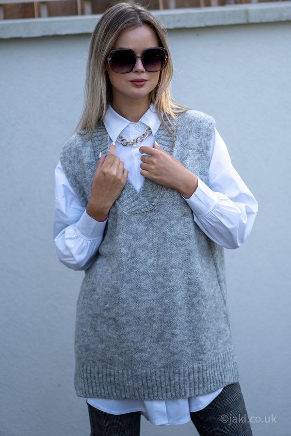 Knitted Vest and Oversized Shirt Set In Grey