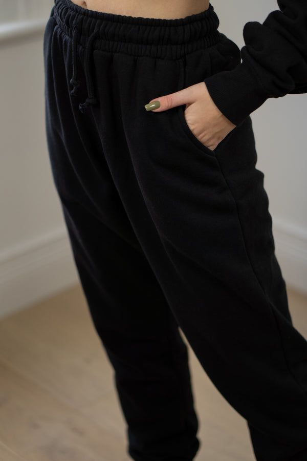 Warm Fleece Sweatpants In Black