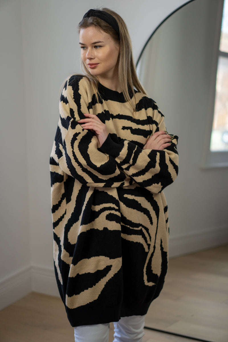 Relaxed Fit Zebra Print jumper in Black/Tan
