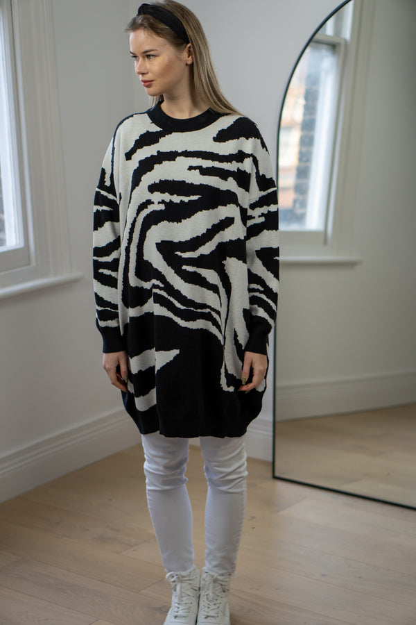 Relaxed Fit Zebra Print jumper in Black/White