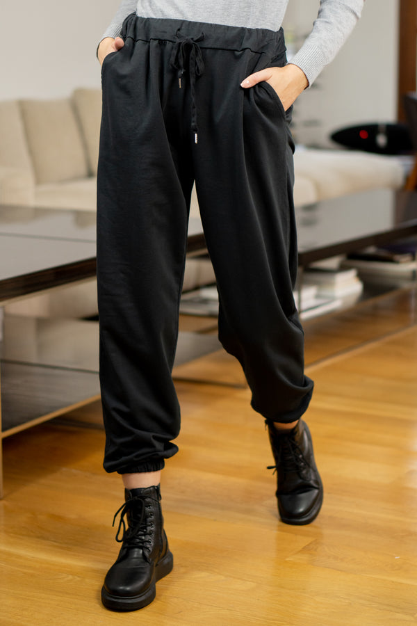 Loose Fit Joggers in Black