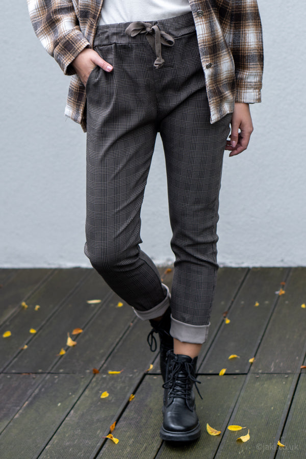 Prince of Wales Check Drawstring Trousers in Mocha
