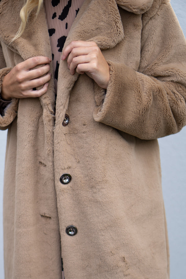 Super Oversized Faux Fur Coat in Camel