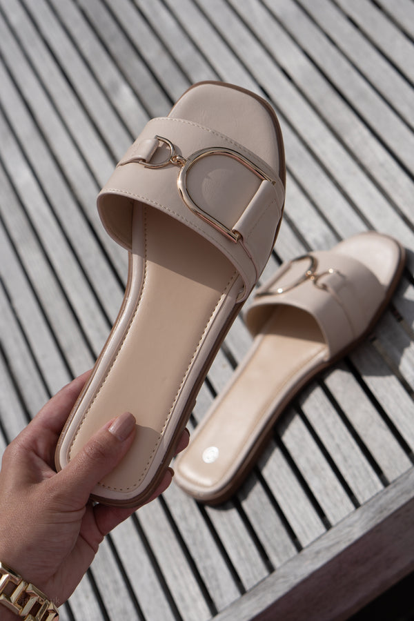 Buckle Flats in Stone