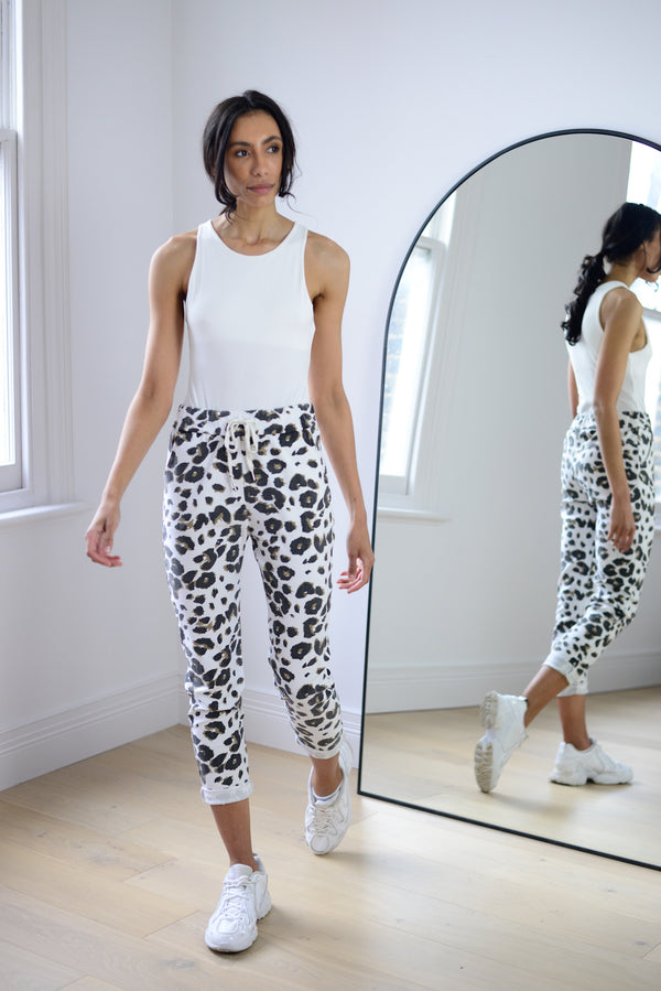Leopard Joggers In White