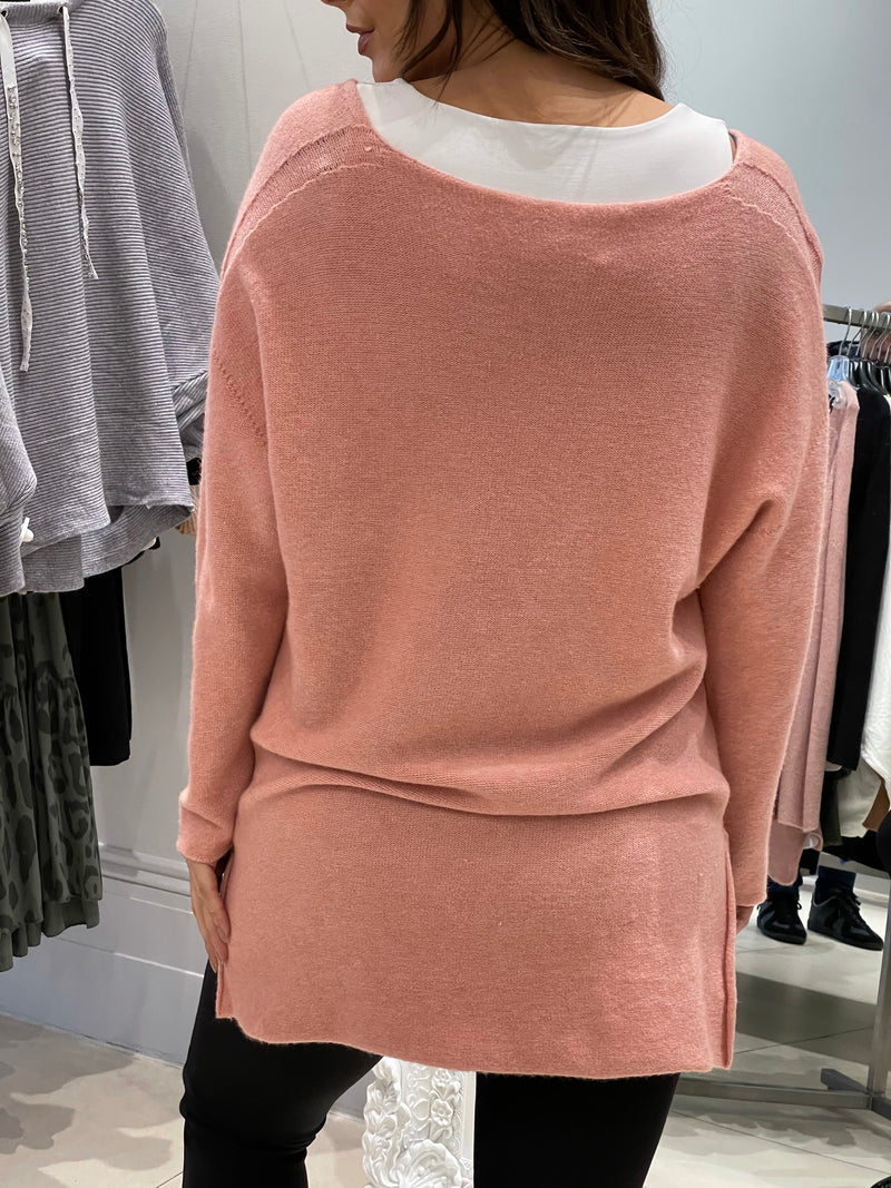V-Neck Raw Edged Knit In Dusty Pink