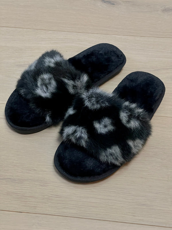 Patterned Faux Fur Fluffy Slippers In Black