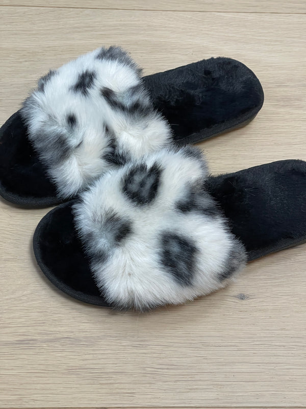 Patterned Faux Fur Fluffy Slippers In White