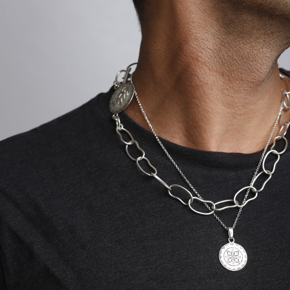 Load image into Gallery viewer, Amazigh Medaillon Simple Chain NECKLACE