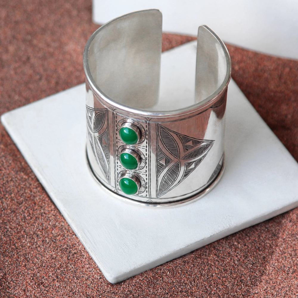 Load image into Gallery viewer, MINT TEA CUFF BRACELET